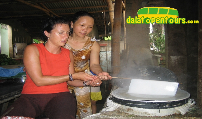mekong-delta-rice-paper-making