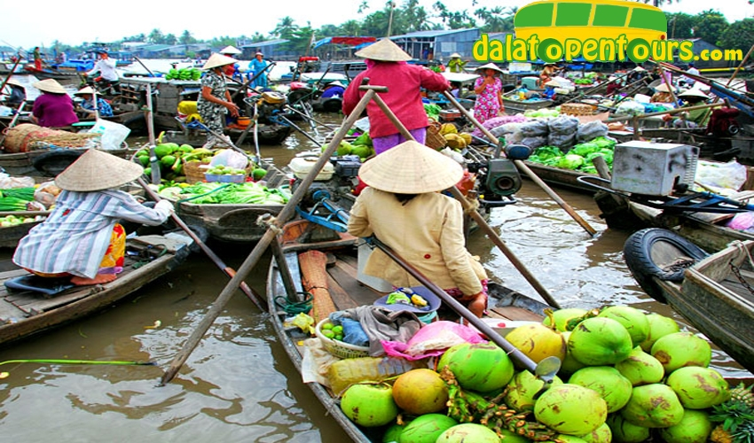 mekong-delta-floatingmarket